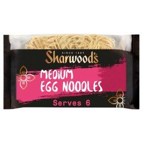 Sharwoods medium egg noodles