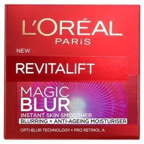 L'Oréal Revitalift Magic Blur
