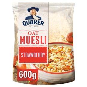 Quaker Oats Oat Muesli Strawberry